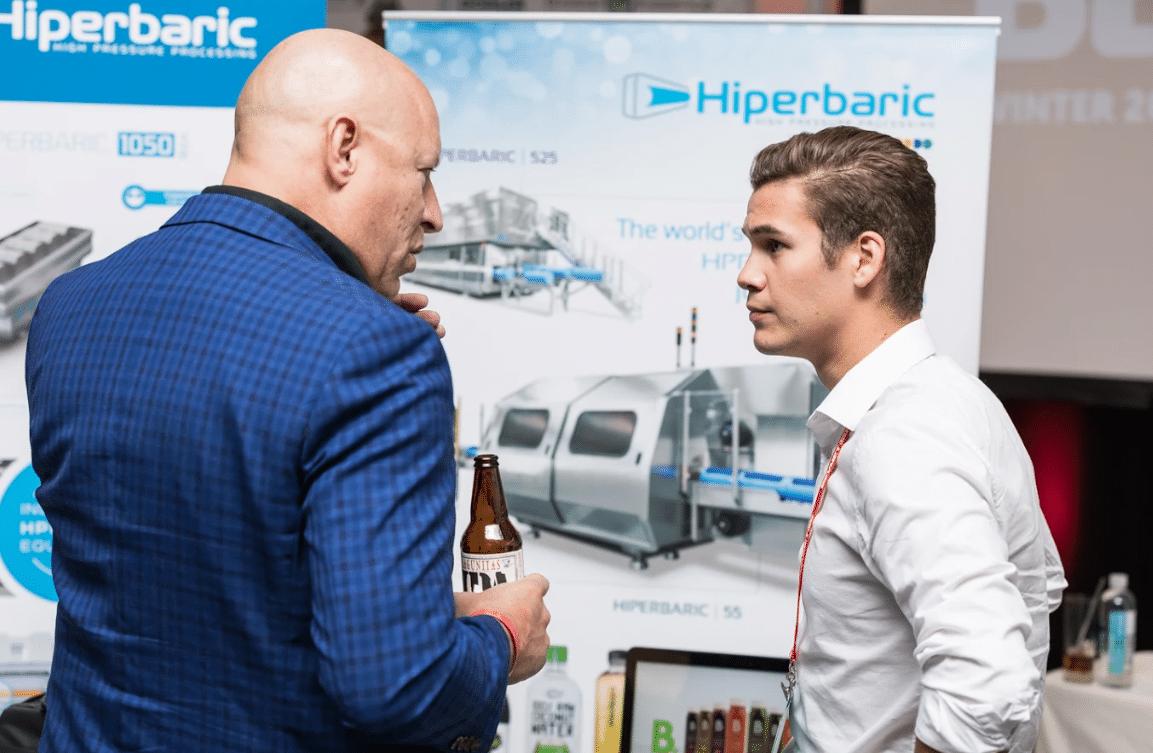 Alexander Marquis, Marketing y Ventas de Hiperbaric compartiendo ideas con los asistentes a la Bevnet Live 2017