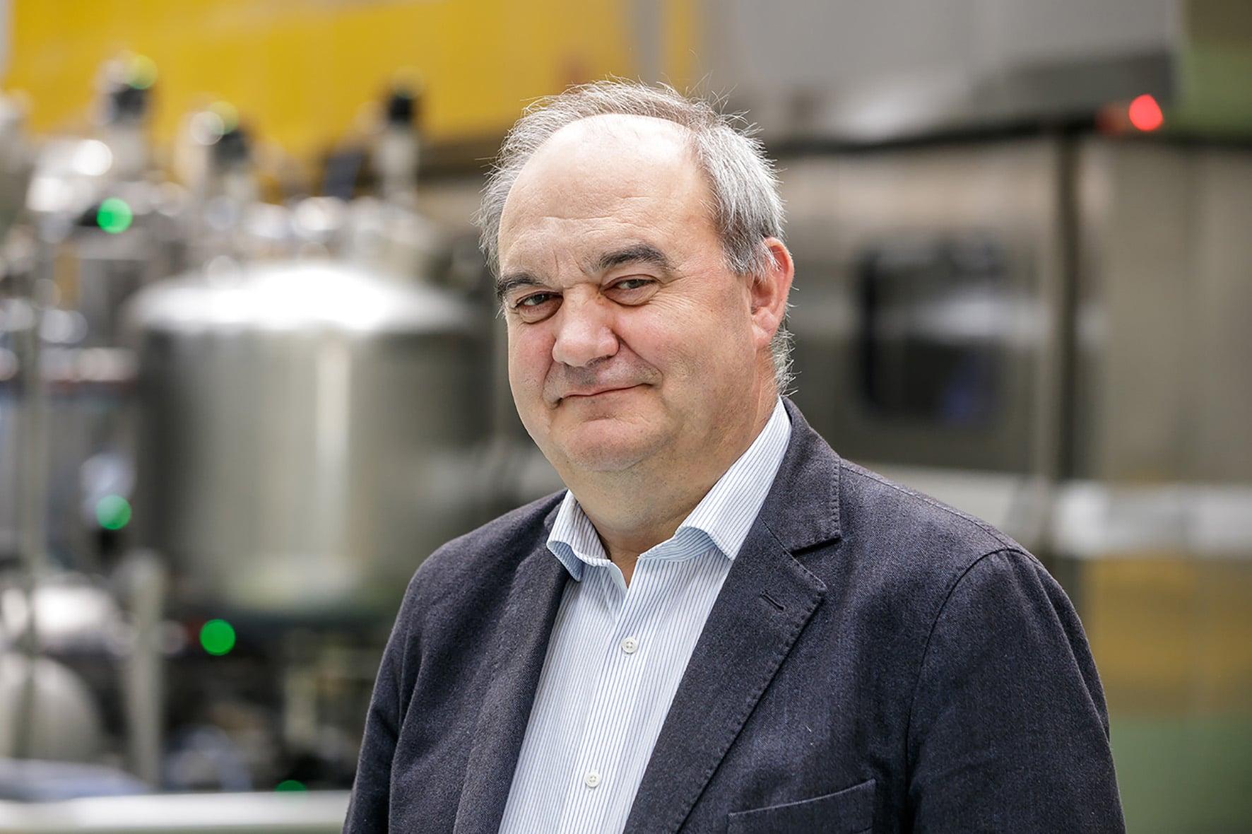 Andrés Hernando - CEO