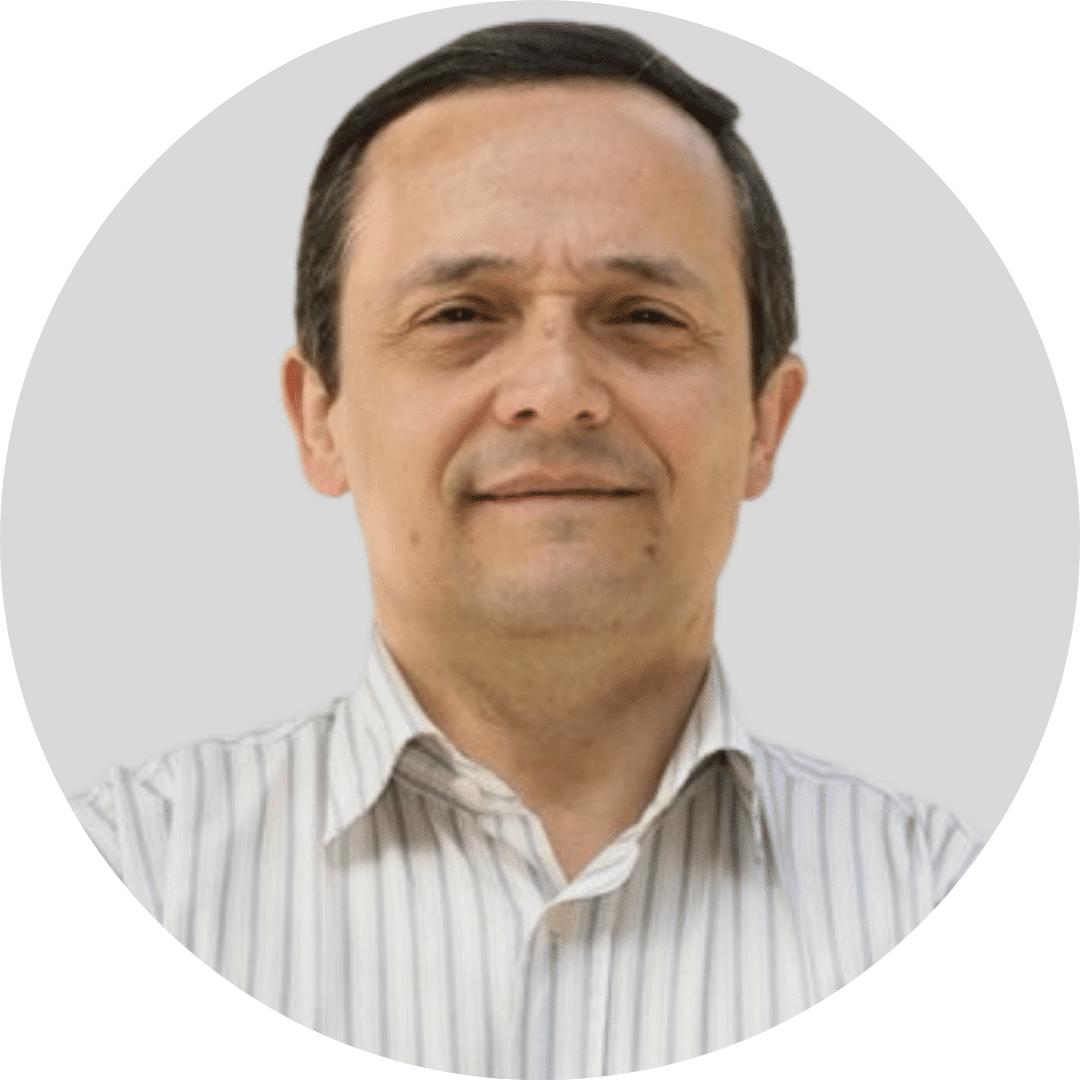 Jorge Saraiva grey bg